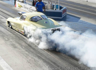 1963 CORVETTE DOING BURNOUT